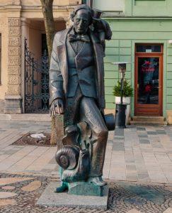 Estatua de Bratislava Hans Christian Andersen la sirenita