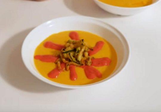 Idea de presentación de la crema de quinoa y calabacín