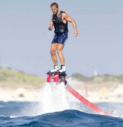 Deportes acuáticos Flyboarding