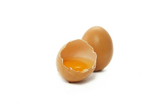 Crema de huevo con limón.