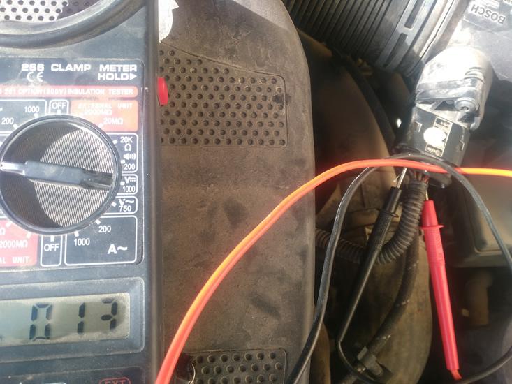 voltaje cable caudalímetro del Seat Ibiza