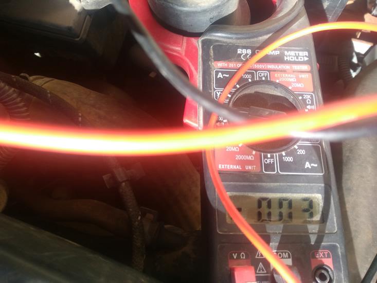 voltaje subiendo cable caudalímetro del Seat Ibiza