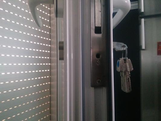 cambiar bombín de una cerradura 4