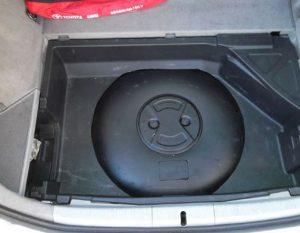 deposito de autogas - glp en alojamiento de rueda de repuesto