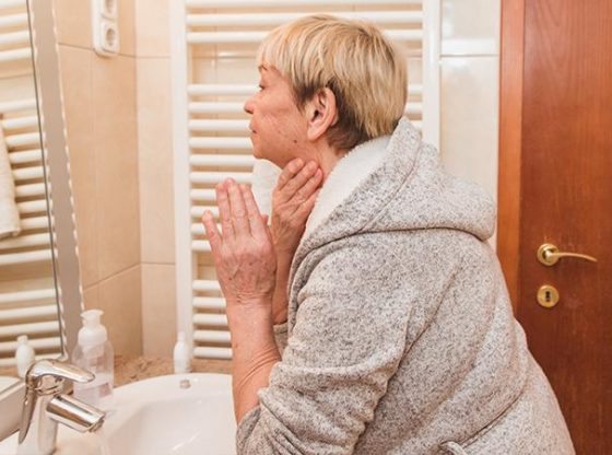 productos para el cuidado de la piel de los ancianos