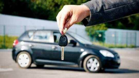 imagen de un coche en venta de ocasión o segunda mano