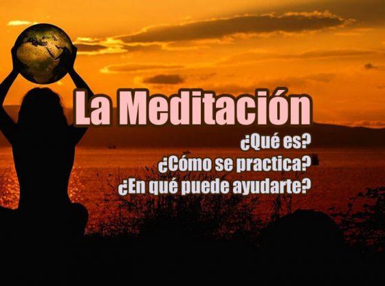 imagen de portada del artículo sobre la meditación en el que aparece una mujer de espaldas sosteniendo una esfera al aterdecer
