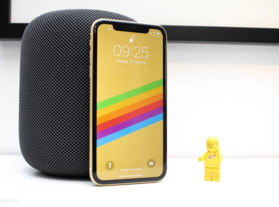 Imagen en la que aparece un smartphone iphone xr